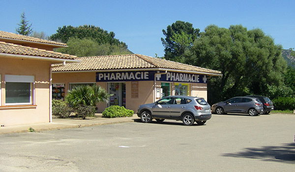 Pharmacie-vendue-Bartoli-a-Ste-Lucie-de-Porto-Vecchio